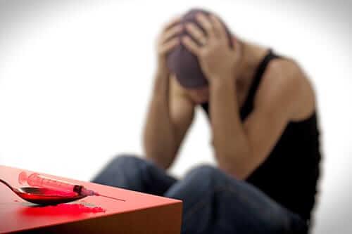 أعراض إدمان الهيروين