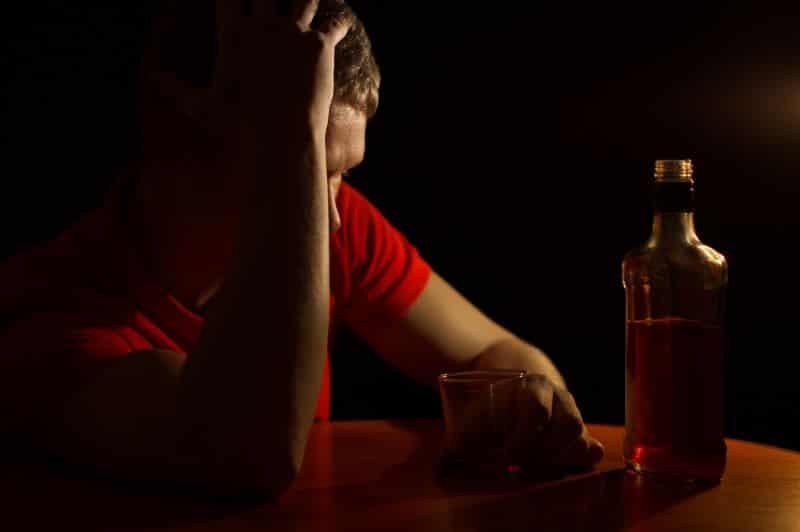 علاج إدمان الكحول بالأدوية فى المنزل