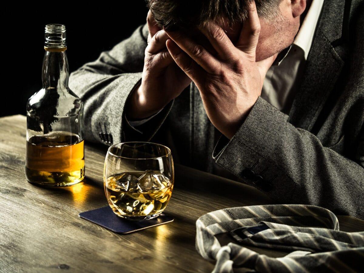 علاج إدمان الكحول بالأدوية