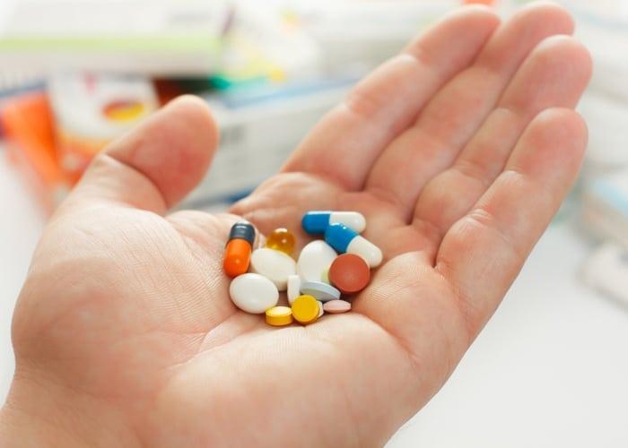 علاج الإدمان بالأدوية