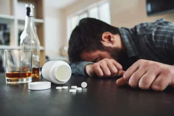 الفاليوم والكحول